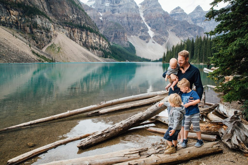 Moraine lake family photography, Family playing and having fun