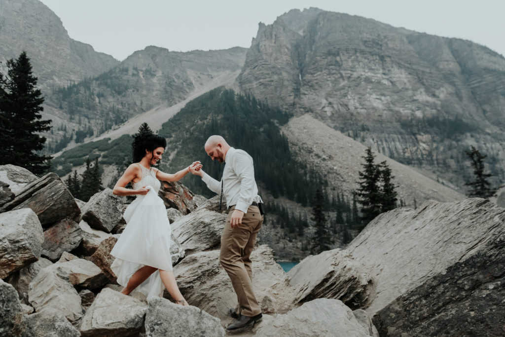 moraine lake, moraine lake elopement, elope in banff, adventure photographer, adventure wedding