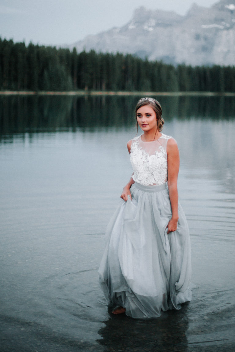 two jack lake, elope in banff, elope in calgary, adventure photographer, adventure wedding, wedding photographers calgary