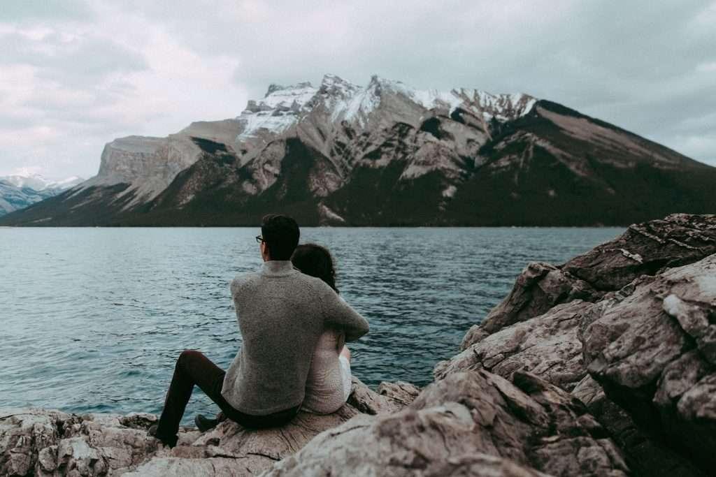 lake minnewanka, elope in banff, photographer canmore, adventure wedding