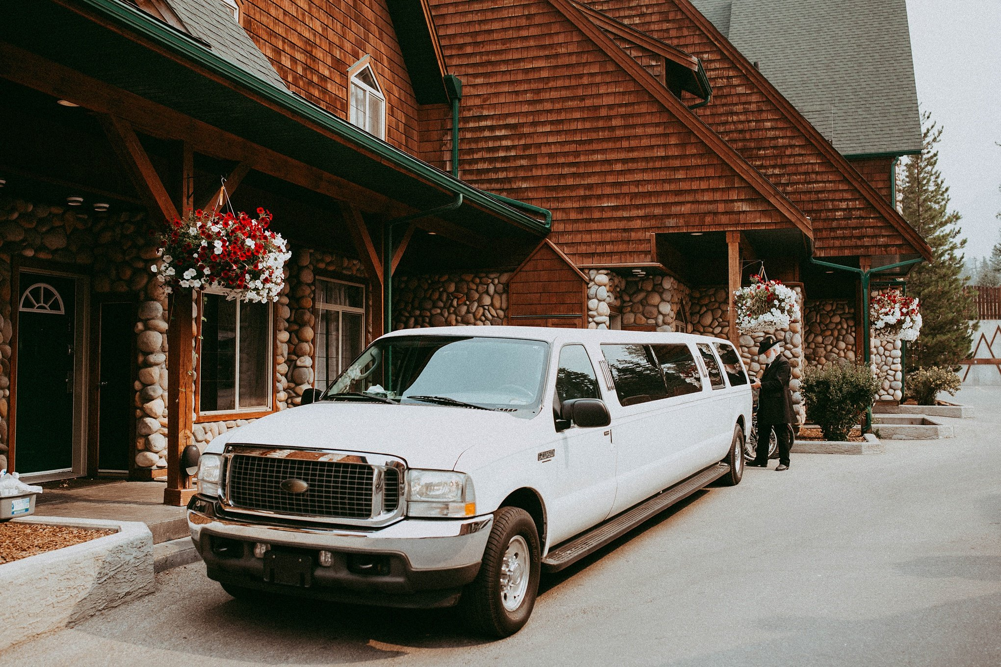 Mystic Springs Canmore, Mystic Springs, camore wedding, camore wedding photographers
