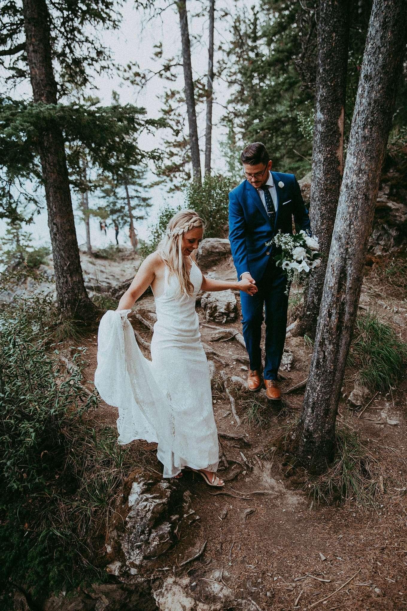 lake minnewanka, lake minnewanka wedding, adventerous wedding, adventure wedding, adventure wedding photographer, adventerous wedding photographers, adventerous wedding photographers banff